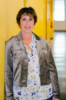 Terri Lynn Cardona in the hallway at UC Berkeley Extension's San Francisco Campus