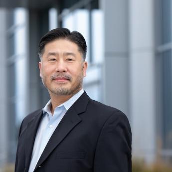 headshot of David Kim