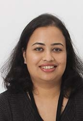 Photo of Swapna Deshpande smiling