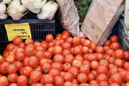 Photo of grape tomatoes at a farmer's market